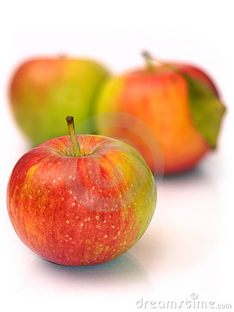 Free Three Apples Royalty Free Stock Photos - 18813228