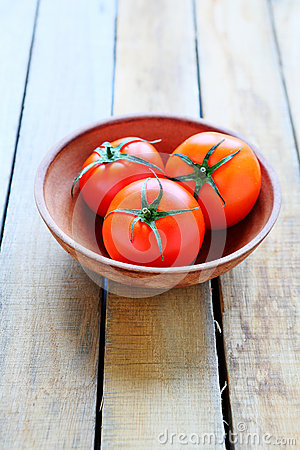 Free Three Ripe Red Tomatoes In A Bowl Royalty Free Stock Photography - 36667297