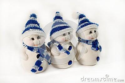 Three small snowmen