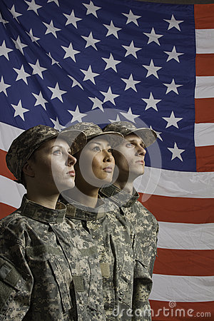 Free Three Soldiers Posed In Front Of American Flag, Veritcal Royalty Free Stock Photos - 33414998