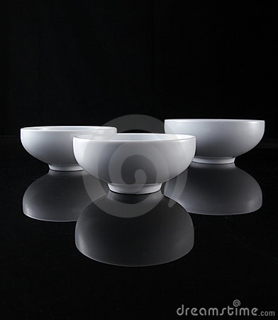 Free Three White Pot Royalty Free Stock Images - 13023069