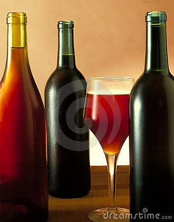 Free Three Wine Bottles & Glass Royalty Free Stock Photography - 671797