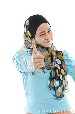 Thumb up Muslim woman