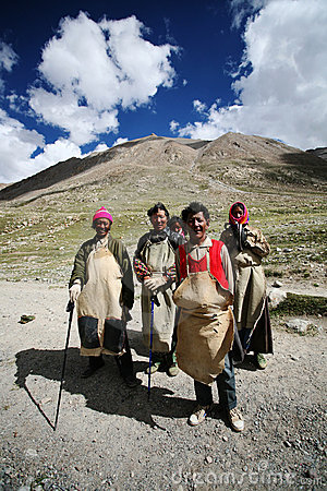 A  tibetan family on a pilgrimage Editorial Photo