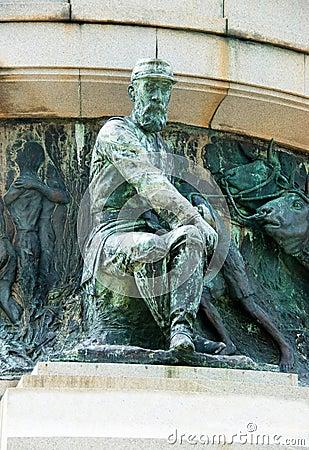 Tiburcio Square war monument