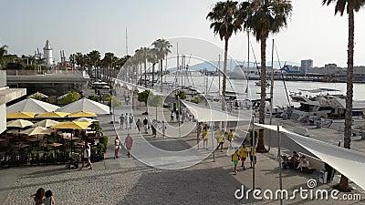Tid schackningsperiod på den gåMuelle Unoen av den Malaga staden arkivfilmer