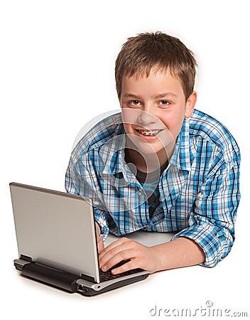 Tiener en netbook