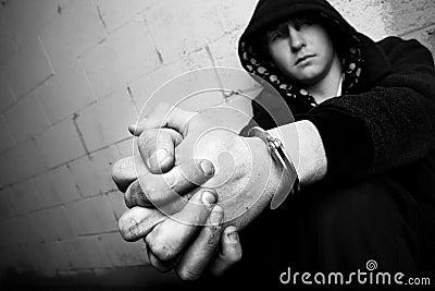 Tiener in handcuffs