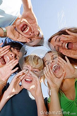 Tienerjaren of de tieners van de groep de gelukkige