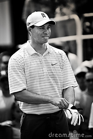 Free Tiger Woods Prepares To Tee Off Royalty Free Stock Photos - 12221668