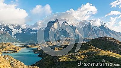Timelapse观点的Cuernos在巴塔哥尼亚的del潘恩,智利