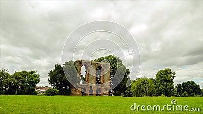 Timelapse замка Caludon в парке замка caludon, Ковентри, Великобритании видеоматериал