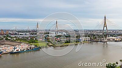 Timelapse моста Bhumibol один из самых красивых мостов в Таиланде и взгляда зоны для Бангкока сток-видео