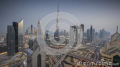 Timelapse av Dubai horisont under solnedgång, Förenade Arabemiraten lager videofilmer
