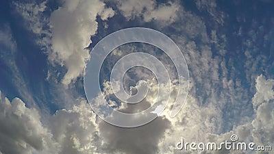 Timelapse bonito do cloudscape, felicidade eterna com o deus no céu filme
