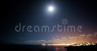 Timelapse di notte sopra Douglas, Isola di Man stock footage