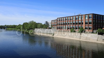 Timelapse escena de Cambridge, Canadá en el río magnífico 4K almacen de metraje de vídeo
