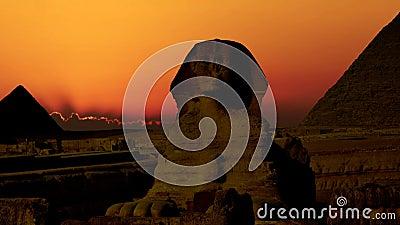 Timelapse Lever de soleil au-dessus de la pyramide de Cheops et de sphinx Giza Egypt V 5 banque de vidéos