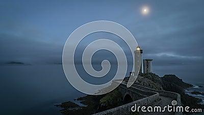 Timelapse półmrok po zmierzchu w Petit minou latarni morskiej w Brittany, Francja zbiory