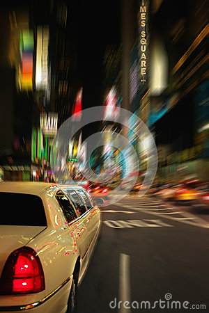 Free Times Square Limo New York USA Stock Photo - 31089270