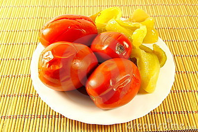 Tinned tomatoes with pepper
