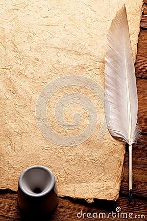 tintenfa und feder auf einem alten papier lizenzfreies. Black Bedroom Furniture Sets. Home Design Ideas