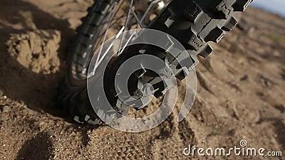 Tipo marco di Moto della ruota sulla spiaggia 50 p video d archivio