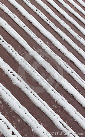 Tiras da neve na plataforma