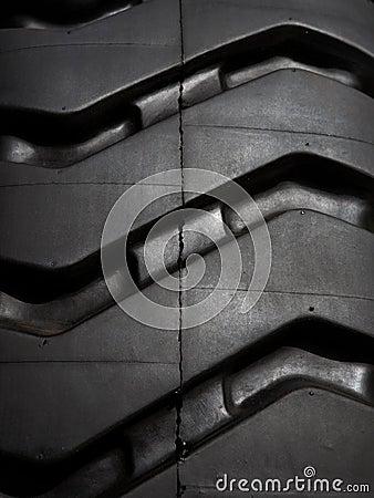 Tire tread