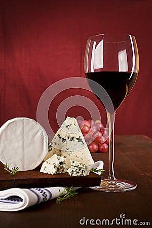 Tło zmrok - czerwone wino