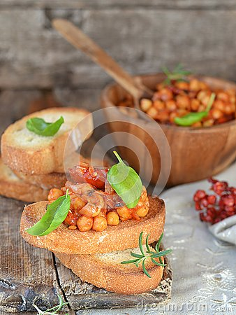 Free Toast Bread With Chickpeas Royalty Free Stock Photo - 30470755