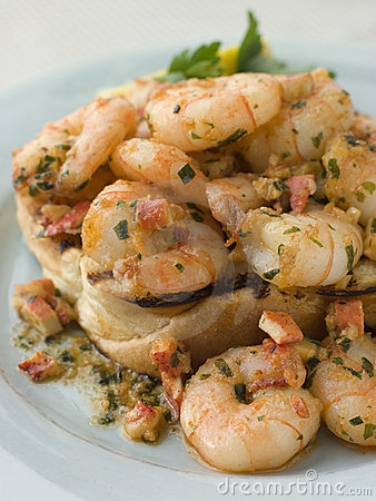 Free Toasted Brioche Topped With Prawns Royalty Free Stock Image - 5617686