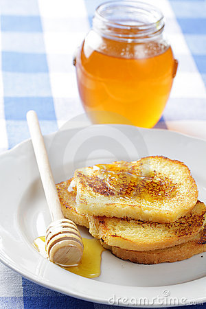 Toasts with honey