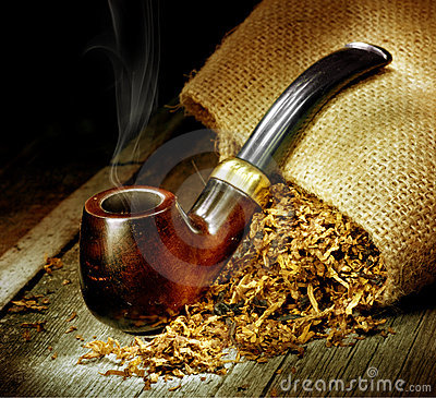 Free Tobacco Pipe Royalty Free Stock Photos - 15687478