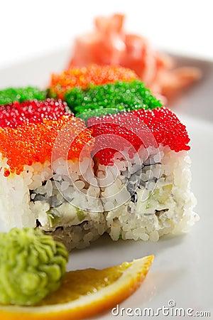 Tobiko Rainbow Roll