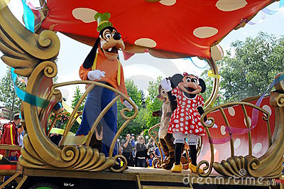 Toda la estrella expresa en Disneylandya Imagen editorial