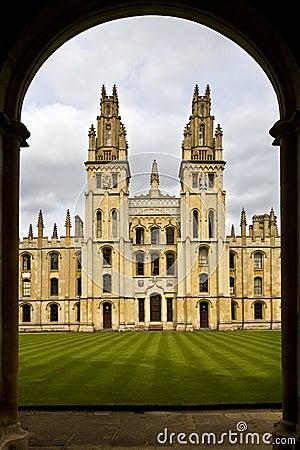 Toda la universidad de las almas - Oxford - Inglaterra Foto de archivo editorial
