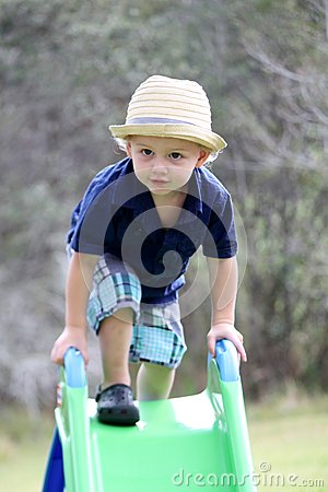 Free Toddler On Slide Stock Images - 75162594