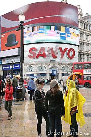 Toeristen in Piccadilly Circus, 2010 Redactionele Fotografie