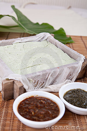 Tofu receive favors sweet sauce