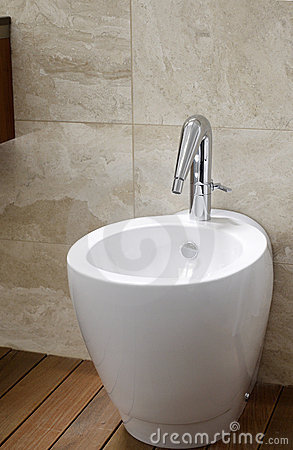 Toilet bidet