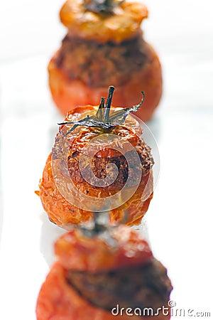 Tomates rellenos de la carne