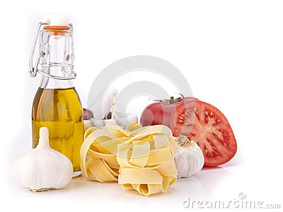 Tomato, garlic,pasta and olive oil