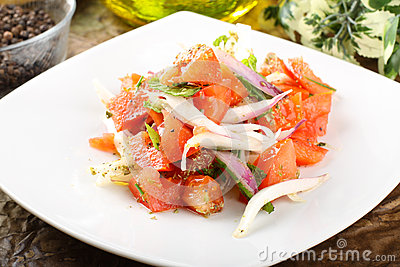 Tomato and onions salad