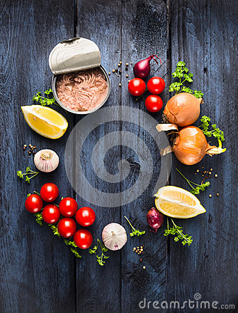 Free Tomato Sauce With Tuna Fish Ingredient With Herb, Spices And Lemon On Blue Wooden Background Royalty Free Stock Photography - 48909147