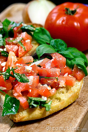 Free Tomato Topped Bruschetta Royalty Free Stock Images - 2416299