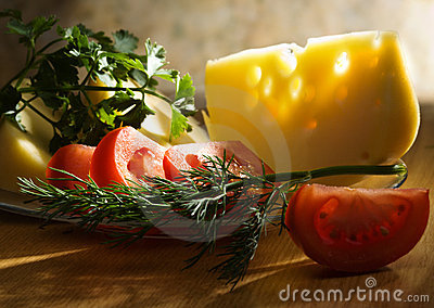 Tomatoes, cheese and greens