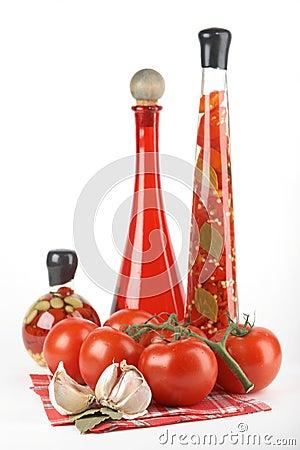 Tomatoes, garlic, bay leaf