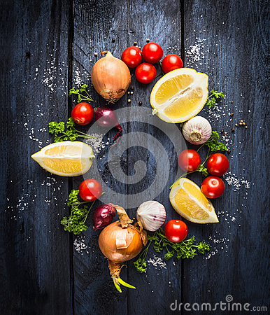 Free Tomatoes With Herbs And Spices, Ingredient For Tomato Sauce, Top View Royalty Free Stock Photography - 48909157