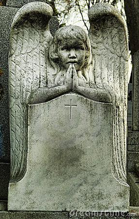 Tombstone angel praying